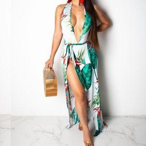 Dresses & Skirts - Halter Neck Open Back Maxi Dress